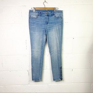 White Black skinny ankle jeans